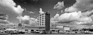 1967 Blick auf das zentrale Bürogebäude