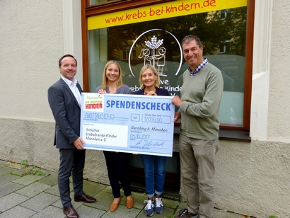 Spendenübergabe an Initiative krebskranke Kinder München